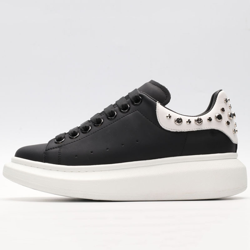 Lovers Running Shoes For Women Genuine Leather Rivet Men's Sport Shoes Casual Fashion Ladies Sneakers Male Luxury Brand