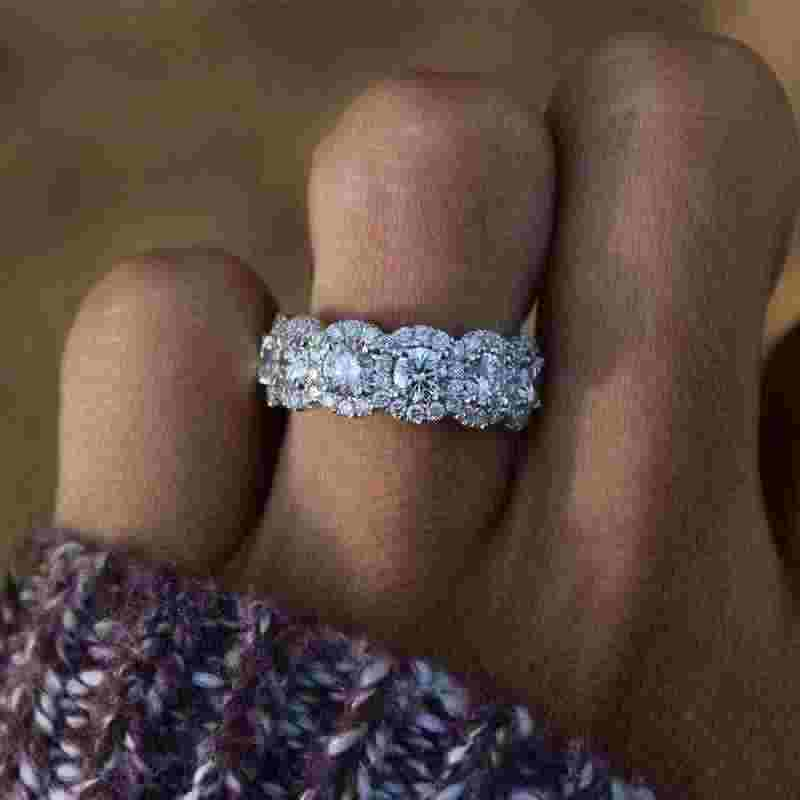 Tisonliz หญิงหรูหราคริสตัลแหวนคริสตัลเงิน Princess แหวนหมั้นแหวนของขวัญครบรอบเครื่องประดับสำหรับผู้หญิง