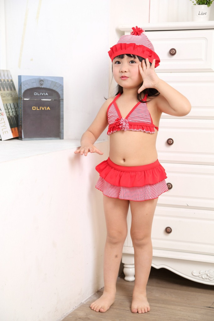 2015 New Style Girls' Two-piece Swimsuit Red And White Striped KID'S Swimwear Cute Baby Girls Hot Springs Suit