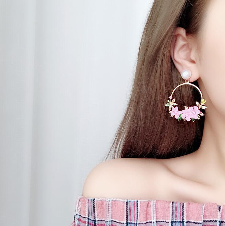 2019 NEWEST Trendy Candy 4 Color Circle Flower Pearl Drop Dangle Earrings Metal Fashion Bohemia Earrings For Women Girl Gifts in Drop Earrings from Jewelry Accessories