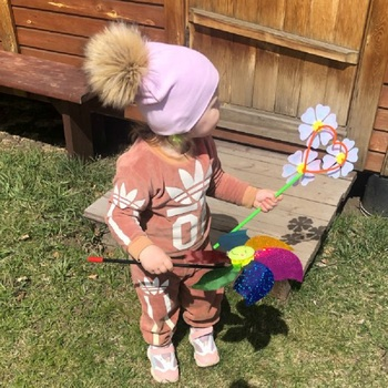 Kid's Hat With Pompon 2