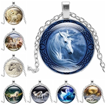 2019 Hot Retro Unicorn Necklace Pendant Alloy Pop Horse Pattern Jewelry Men and Women