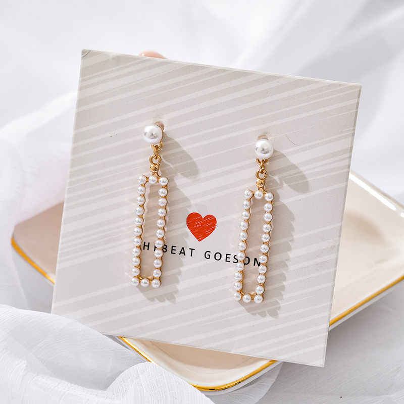 Fashion Geometric Pearl Pendant Earrings for Women Hollow Metal Drop Earrings Golden Sequins Vintage Jewelry Wedding Gift