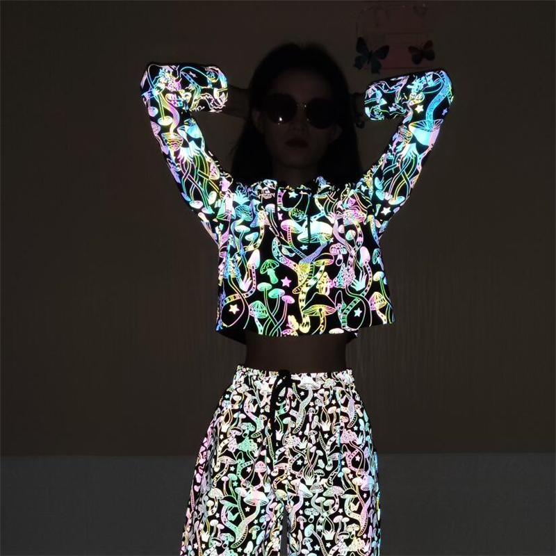 Trendy Reflective Hooded T Shirt Women Colorful Mushroom Pattern Printed Full Sleeve Crop Top Chic Streetwear T Shirt For Lady