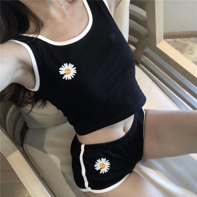 Korean Fashion Daisy Short Sexy Exposed Navel Vest Pants Set Women Slim Simple Sports Tops Shorts Suit Summer Streetwear Female 2