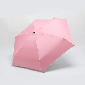 Image 5 - Regenachtige Dag Pocket Paraplu Mini Vouwen Parasols Parasol Zon Opvouwbare Paraplu Mini Paraplu Candy Kleur Reizen Regenkleding