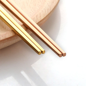 Image 2 - 5 Pairs Eetstokjes Roestvrij Staal Titanize Chinese Gold Chopsitcks Set Black Metal Chop Sticks Set Gebruikt Voor Sushi Servies