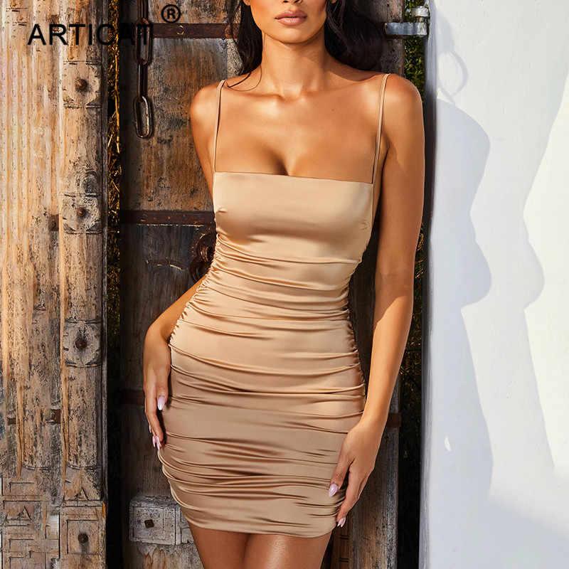 Articat スパゲッティストラップミニサテンドレス女性のセクシーな背中クロス包帯ボディコンパーティードレスプリーツストレッチショートクラブドレス