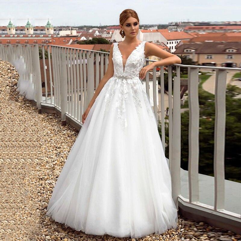 Verngo A-line Boho Wedding Dress Ivory Appliques Wedding Gowns Elegant Flowers Bride Dress V-neck Abiti Da Sposa 2020