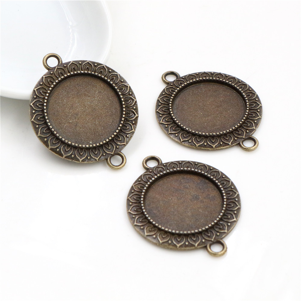 4pcs 20mm Inner Size Antique Bronze Classic Style Cabochon Base Setting Charms Pendant (D3-18)