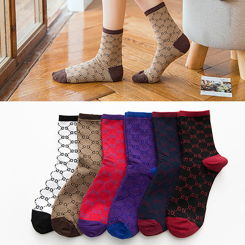 Fashion Alphabet Cotton Women Socks High Quality Student Outdoor Sports Breathable Socks Lady Socks