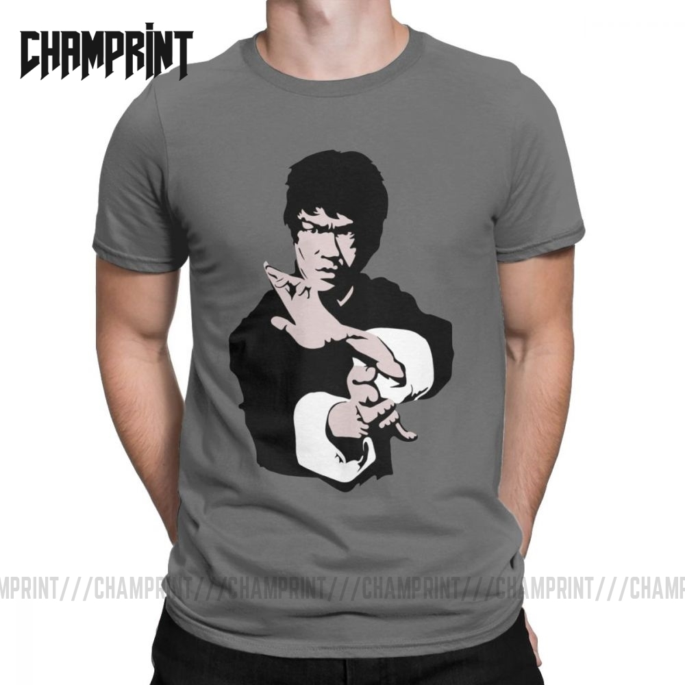 Bruce Lee On His Famous Kung-Fu Jet Kune Do Pose T Shirt Men Cotton T-Shirt Dragon Movie Kung Fu Brusli Karate China Tee Shirt image