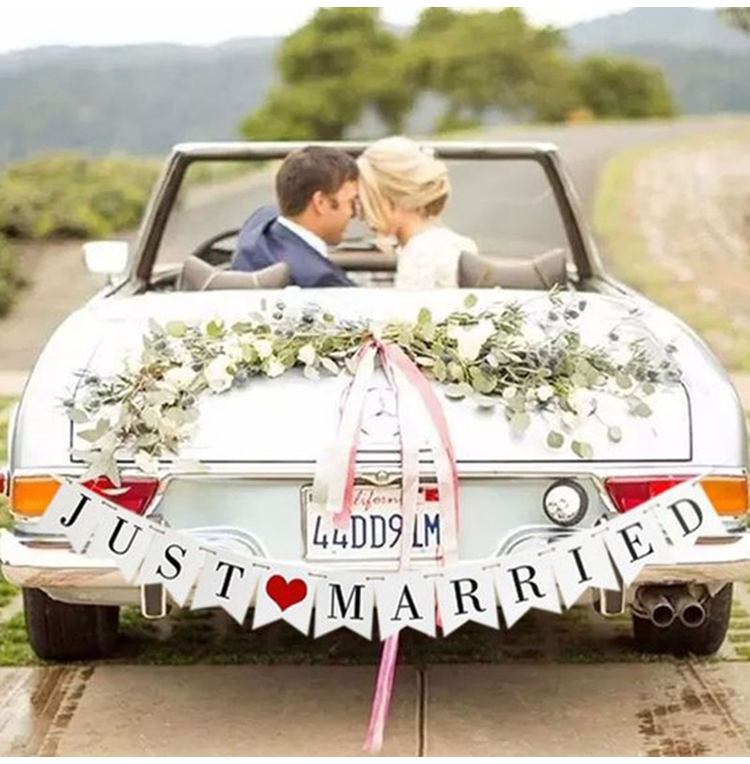 Just Married Mr Mrs Wedding Banner Garland Party Flags Candy Bar Decoration Event Supplies Confetti Engagement Wedding Tossing