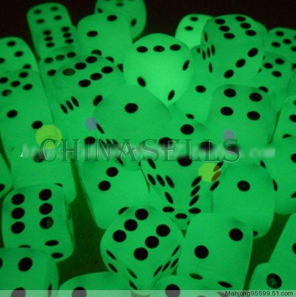 10 Set Nacht leuchtende Tabelle Spiel Würfel Familie 1,6 cm seitige