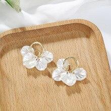 Korean Elegant White Shell Flower Petal Drop Earrings for Women 2020 New Irregular Sweet Dangle Earring Trendy Jewelry
