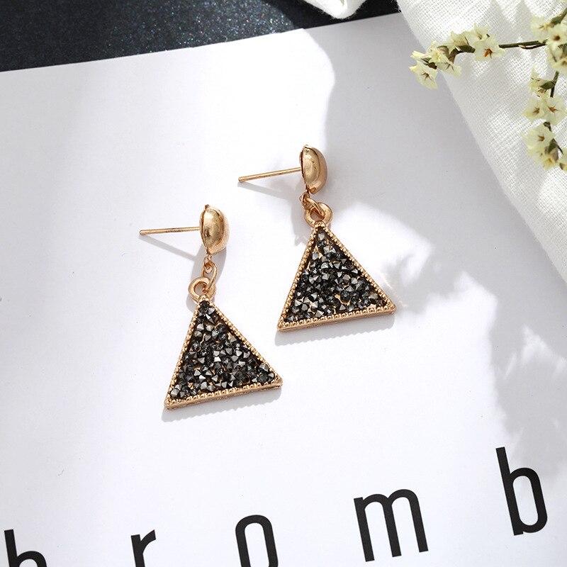 CARTER LISA Hot Sale Fashion Korean Style Geometric Earrings Black Triangle Bright Shining Golden Drop Earring HLEZ262000