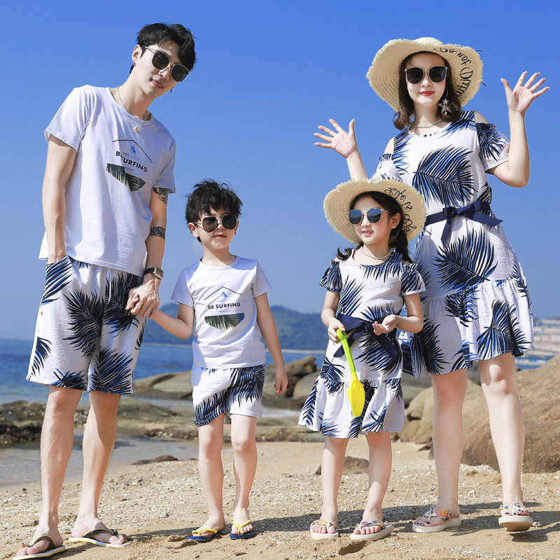 Summer Family Matching Outfits Mother Daughter Beach Vocation Dresses Summer Dad Son T-shirt+Shorts Couples Matching Clothing