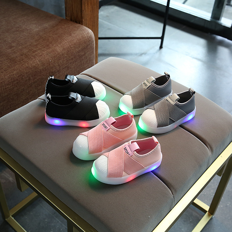 New 2020 Solid LED lighted baby girls boys sneakers Cool glowing infant tennis Leisure children shoes Cute kids shoes