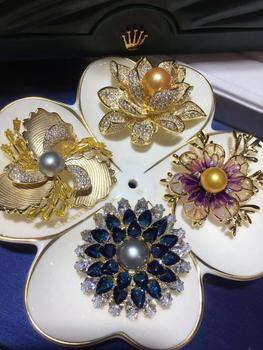 Christmas Gifts Copper Plated 4 pieces of Brooches with Natural Fresh Water Golden Pearl Brooches