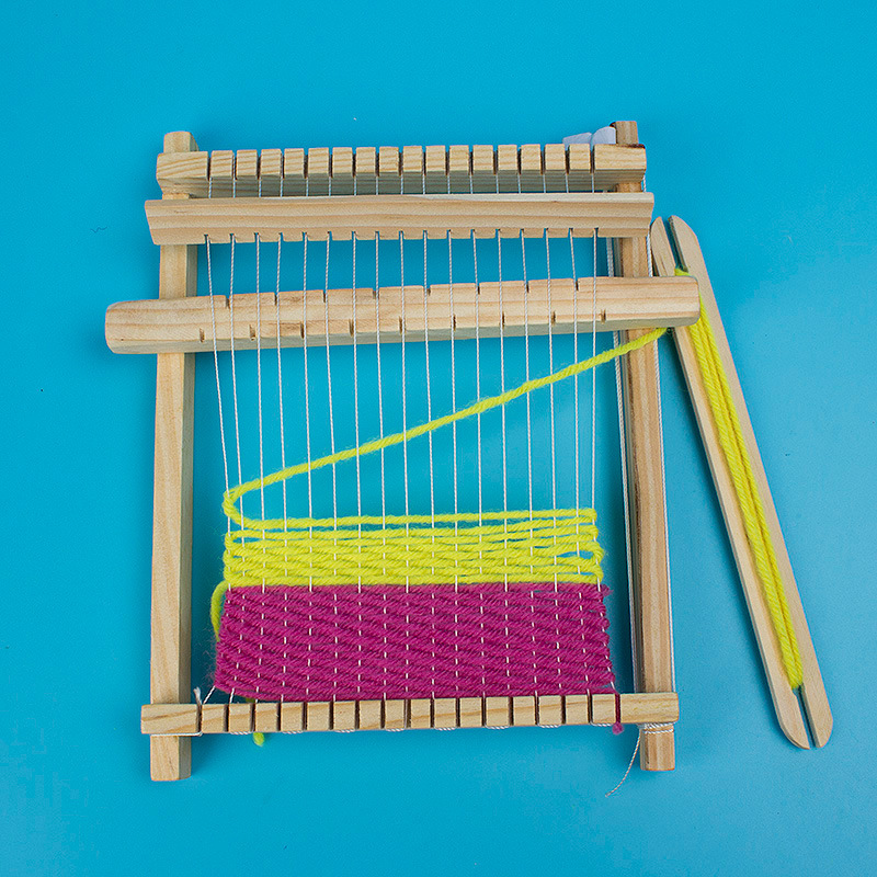 18science toy yarn maker