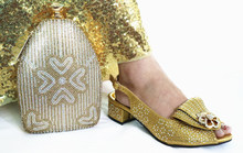 Gold low heel italian shoes and bag matching set for african aso ebi party Christmas party shoes and bag set SB8457-2(China)