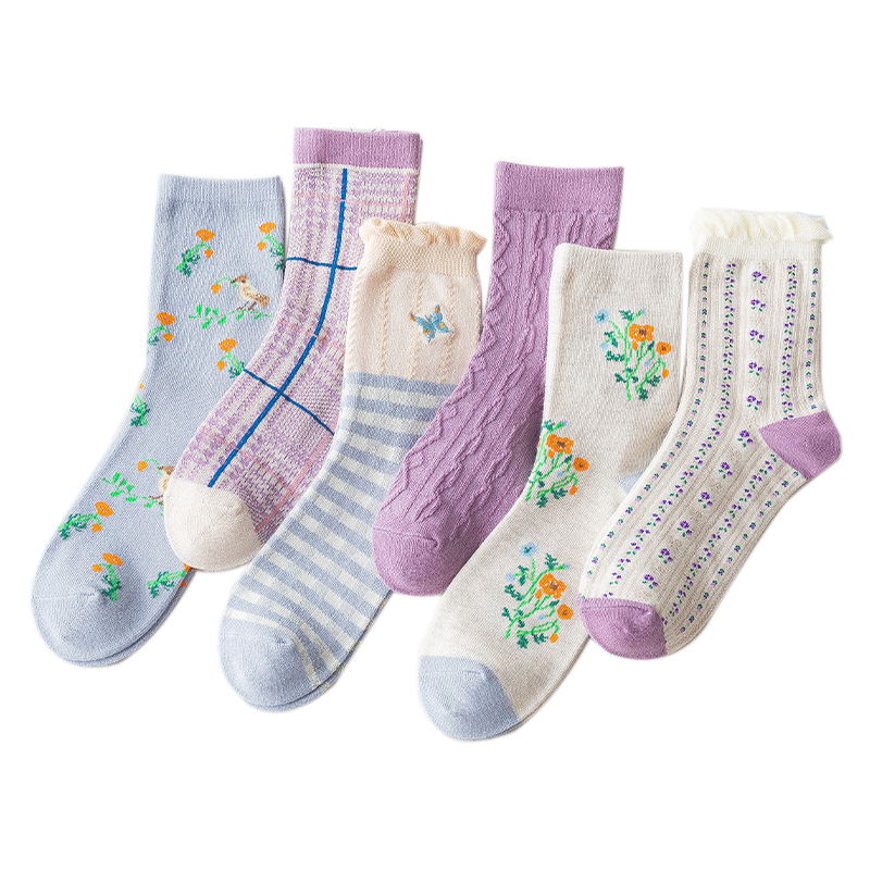 5 Pairs Lot New Autumn Winter Women Long Socks Cute Sweet Strawberry Print Socks Sasual Embroidery Ladies Combed Cotton Socks