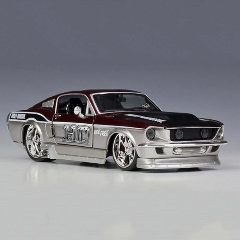1/24 scale 1967 <font><b>Ford</b></font> <font><b>Mustang</b></font> GT simulation alloy car classic die-cast car model children gift collection furniture decoration image