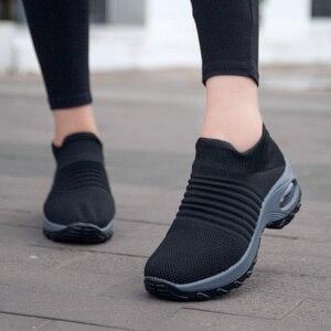 Image 2 - Uberu di Modo di Volo Tessuto Scarpe Da Tennis delle Donne Assorbimento Degli Urti Morbido Respirabile Comodo Casual Donna Runningg Scarpe Formato 35 42
