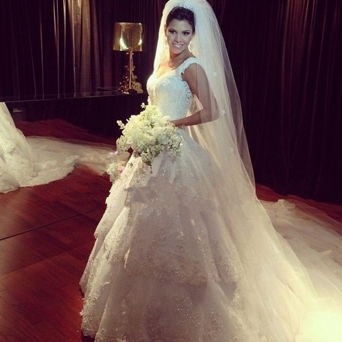 Popular Style White Lace Wedding Dress Beading Court Train Sexy Backless Custom Made Cheap Vintage Bridal Gowns 2015 Hot Sale