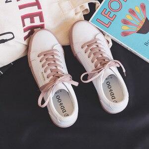 Image 2 - נעלי אישה 2020 אביב חדש שטוח עור סניקרס נשי מוצק צבע תלמיד פלטפורמת נעליים מזדמן נמוך למעלה דירות נשים נעליים