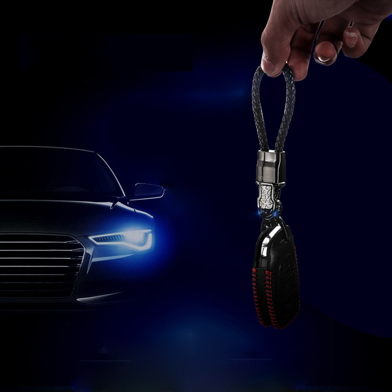 LED Light Leopard head Car Key Chain Pendant for Mercedes W205 Suzuki Sx4 Kia Optima K5 Metal Key Ring Chains Auto Accessories in Key Rings from Automobiles Motorcycles