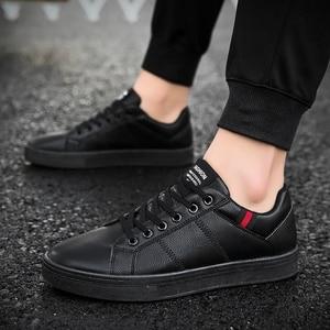 Image 2 - Marka skórzane męskie obuwie jesienne modne trampki obuwie gumowe ciepłe męskie płaskie buty zimowe męskie buty sprzedaż Man Designer