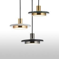 Nowoczesne lampy wiszące czarne szkło wisząca lampa z żarówką długa linia wisząca lampa do kuchni salon Nordic kula świetlna oprawy w Wiszące lampki od Lampy i oświetlenie na