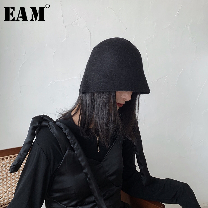 [EAM] Women Brief Woolen Black Fishermen Hat New Round Dome Temperament Fashion Tide All-match Spring Autumn 2020 1N772