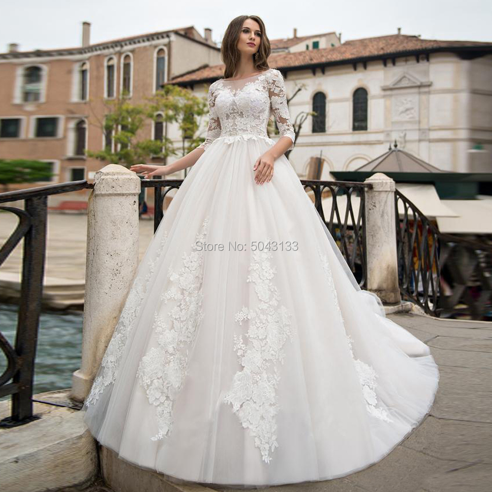 Charming Lace Appliques Long Sleeves Wedding Dresses Vestidos De Noiva 2020 Scoop Neck Ball Gown Wedding Bride Dress