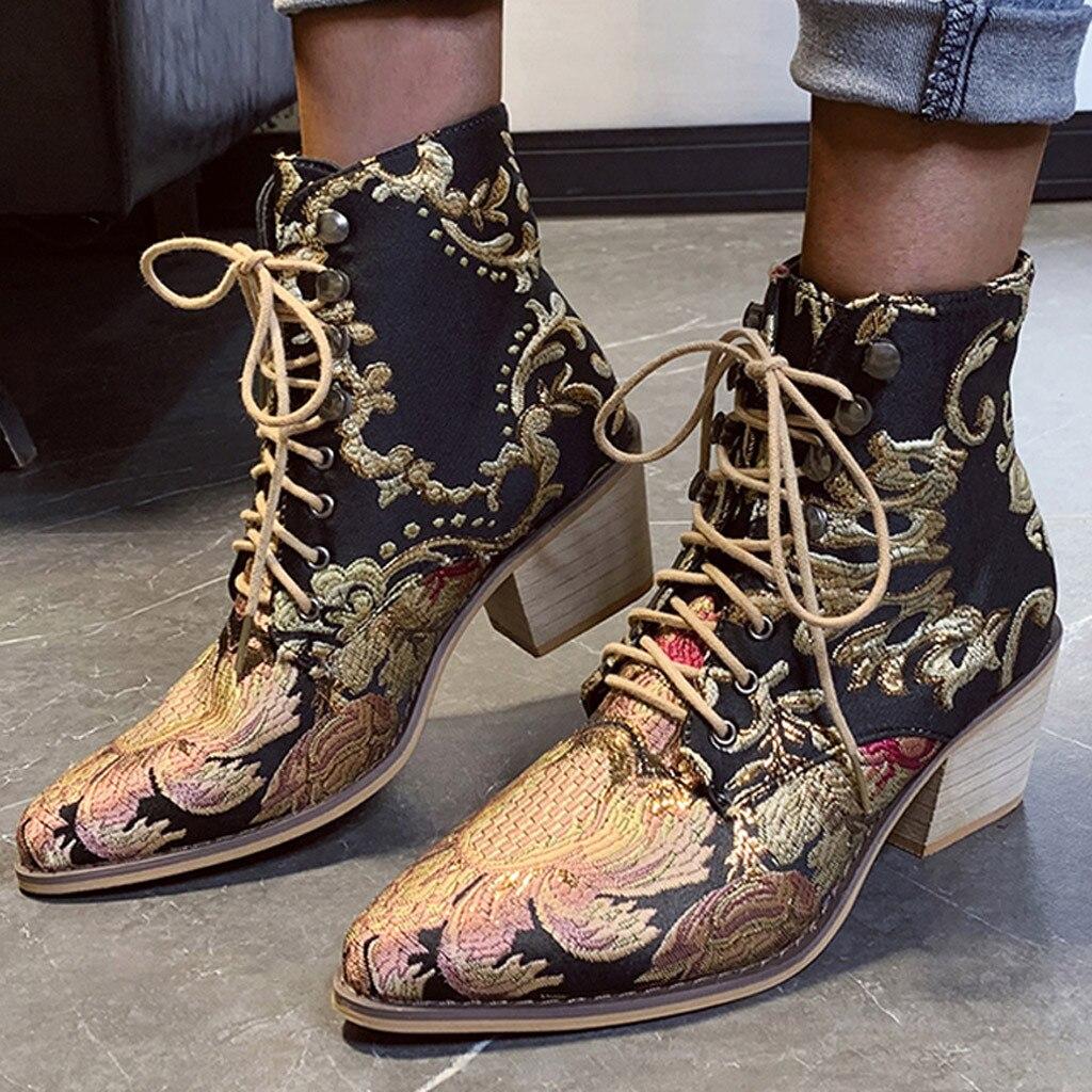 Стильные женские ботинки «Челси» с вышивкой; Зимние ботильоны в этническом стиле; обувь на высоком каблуке с острым носком на шнуровке; тепл