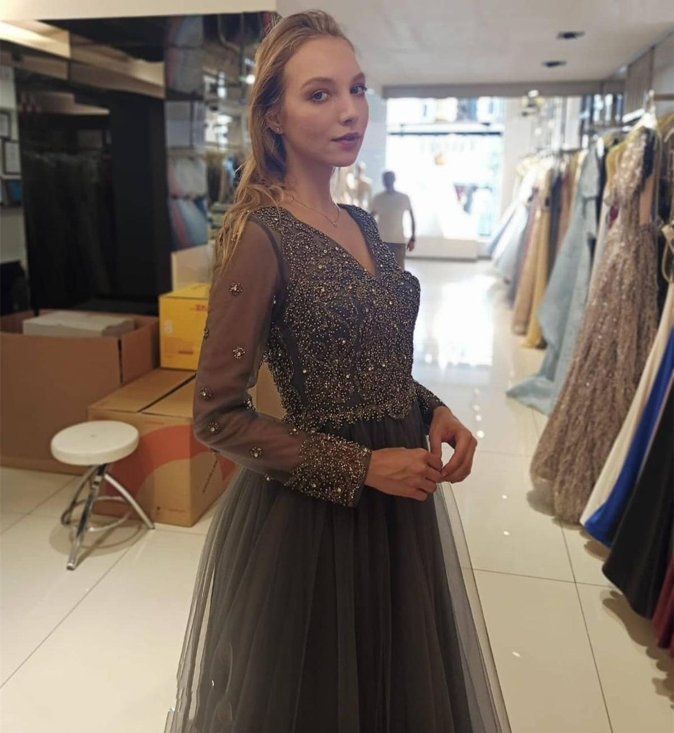 Elegant Prom Dress Gray Long Sleeve A-Line Crystal Beaded Sexy V-Neck Tulle Floor Length Women Formal Party Gowns Brilliant