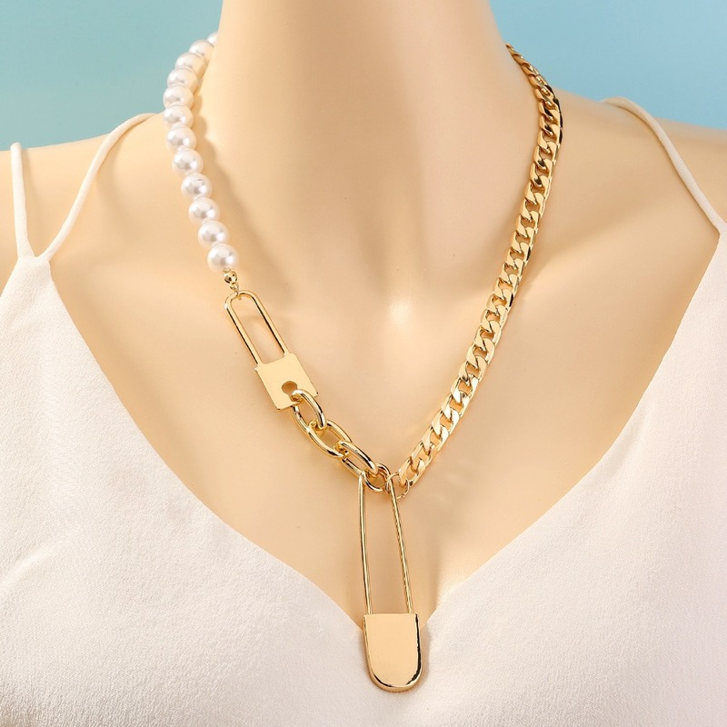 Layered Big Safety Pin Pendant Necklace Pearl Chains Gold Chains Jewelry for Women Punk Choker Padlock Goth Jewelry Accessories