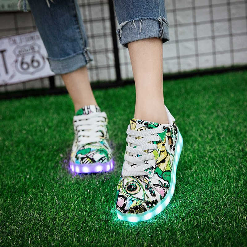 2019 ใหม่ Luminous รองเท้าผ้าใบ Krasovki เด็ก Led ส่องสว่างสาวรองเท้าเด็กเรืองแสง USB Light Up บุรุษสตรีรองเท้าผ้าใบ