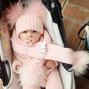 Laurashow real guaxinim raposa pele bola pompons chapéu com cachecol para crianças malha bebê inverno boné