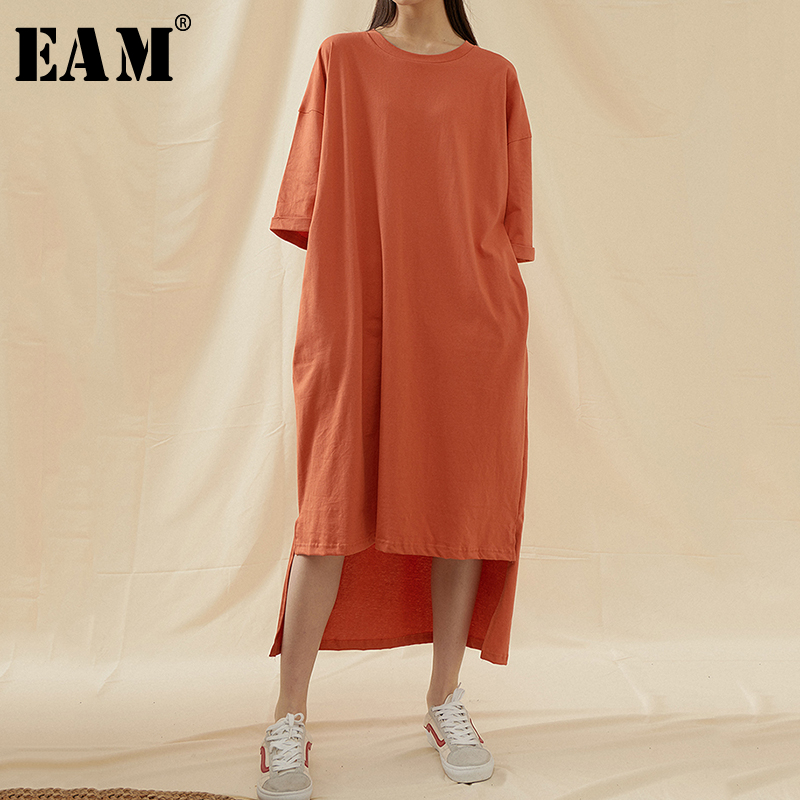 [EAM] Women Orange Vent Back Long Big Size Dress New Round Neck Half Sleeve Loose Fit Fashion Tide Spring Summer 2020 1T601
