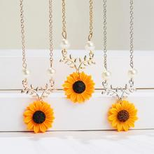 New Elegant Sunflower Pendant Necklaces Vintage Imitation Pearl Necklaces for Women Fashion Daily Jewelry Sweater Accessories imixlot new creative sunflower pendant necklaces vintage fashion daily jewelry temperament cute sweater necklaces for women