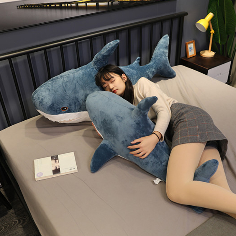 1pcs 상어 플러시 장난감 인기 잠자는 베개 여행 동반자 장난감 선물 상어 귀여운 박제 동물 물고기 베개 완구 어린이를위한