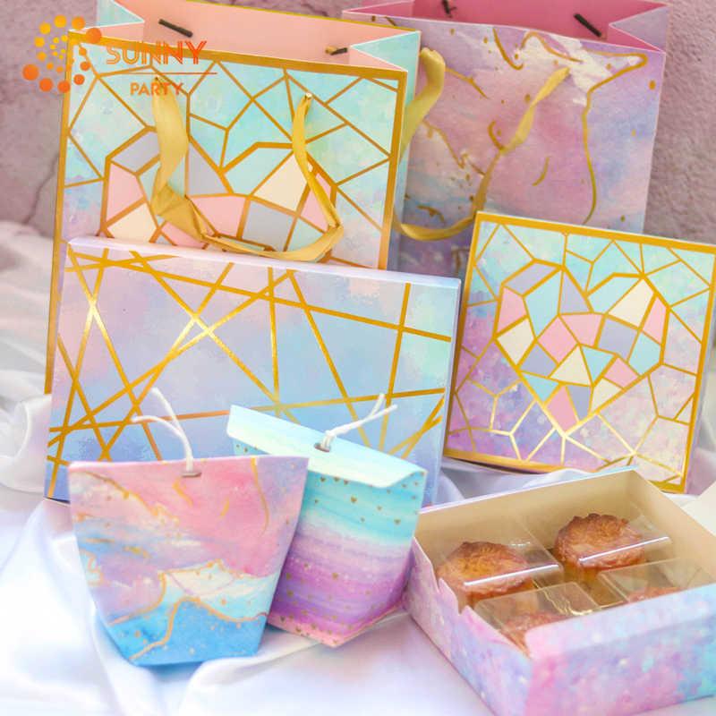 Bolsa de mano de corazón geométrico de rayas doradas cajas de papel para empaquetar regalos de cumpleaños de San Valentín