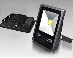 50W LED Floodlight Epistar Chip 4 sztuk 12V wysokiej lumenów bezpieczeństwa na zewnątrz ulicy reflektory LED światło halogenowe w Reflektory od Lampy i oświetlenie na