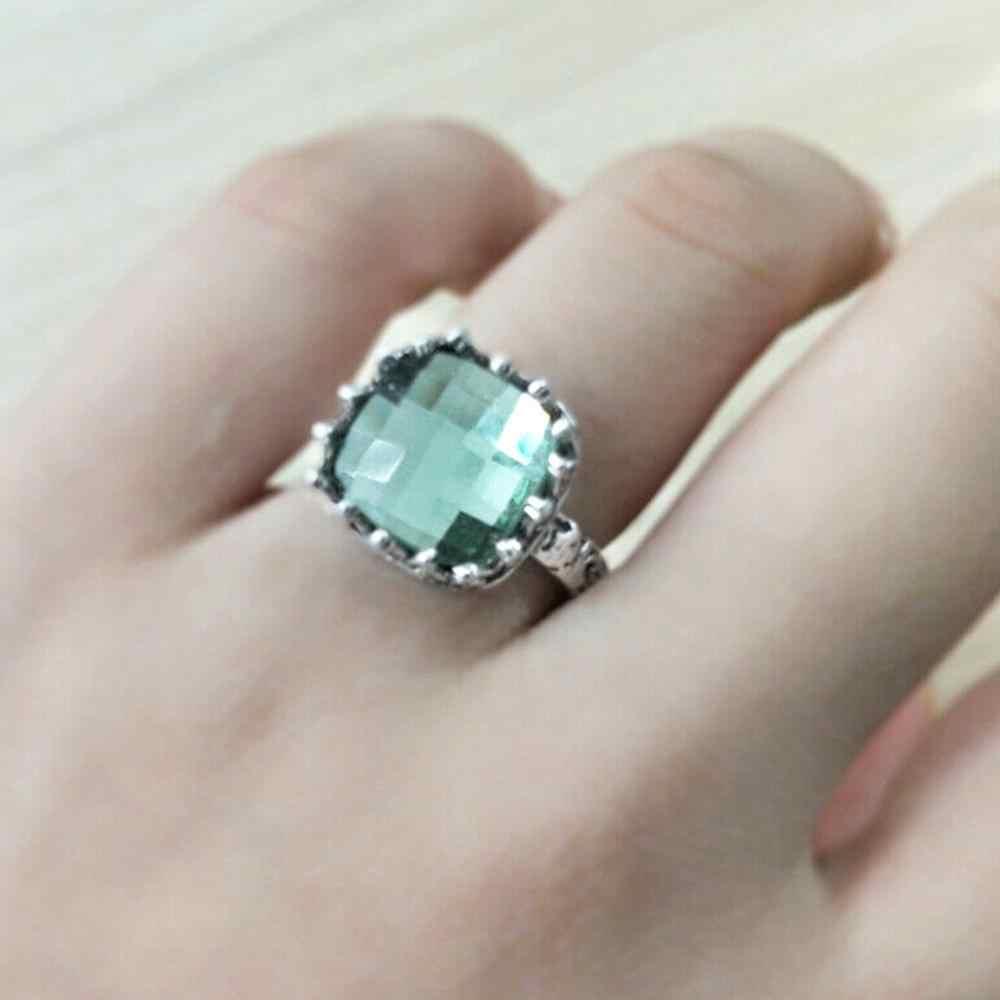 ผู้หญิง Mint Green Vintage มูนสโตนแหวนโลหะผสม Vintage Peridot เจ้าหญิงแหวน