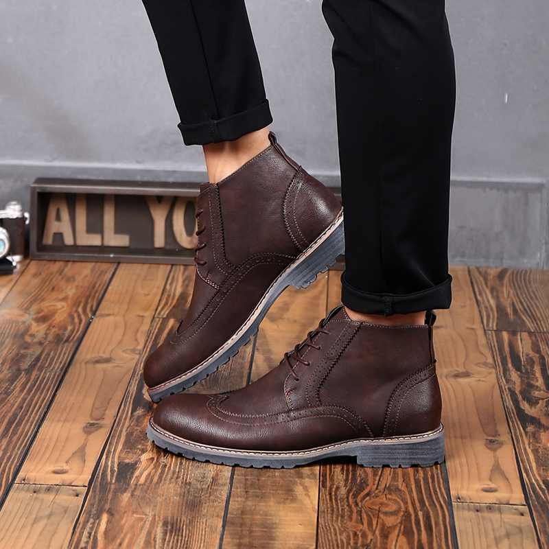 メンズレザーオックスフォードシューズ英国スタイル男性カジュアルレースアップダービー靴屋外ファッション通気性レトロ彫ブローグシューズ