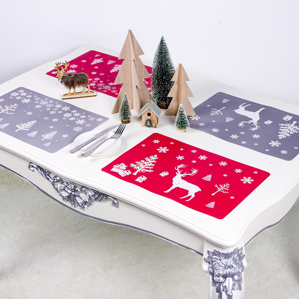 6 Sets of Matching Christmas Placemats and Coasters 8