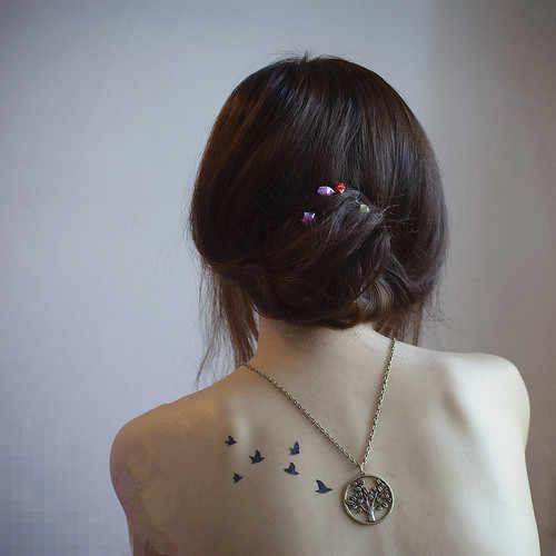 Pequeno Preto de Penas de Aves Engolir Tatuagem Temporária Mulheres Homens Maquiagem À Prova D' Água Tatto Braço Corpo Pintura Da Arte Etiqueta Do Tatuagem Pasta