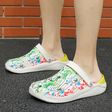 2020 Women Men Beach Shoes Sandals Home Graffiti Slippers Outdoor Summer Sea Aqua Shoes Cro